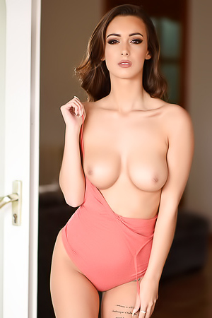 Busty glam model Laure Louise