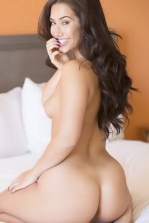 Eva Lovia - exotic babe is waiting for you in her bed