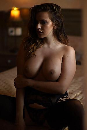 Jessika Jinx In Sexy Black Lingerie