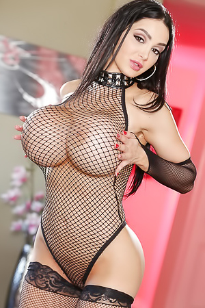 Amy Andersen - big boobs in fishnet