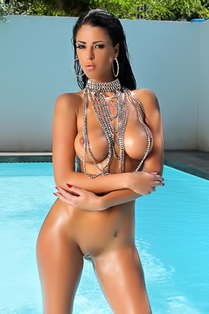 Glamour Ella Mai in the pool