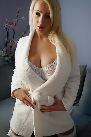 Agnetis Miracle in white sexy stockings