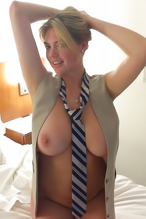 Sexy boobed Kate Upton