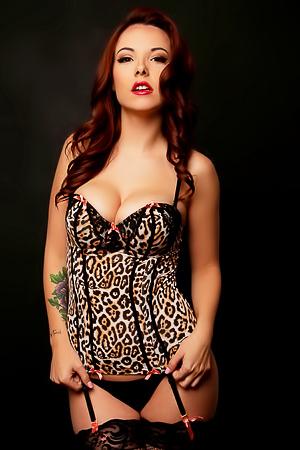 Stunning redhead Elizabeth Marxs