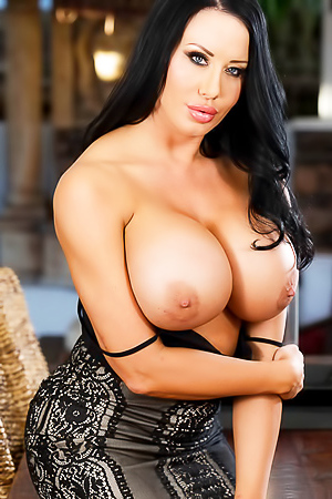 August Taylor - milf with huge tits
