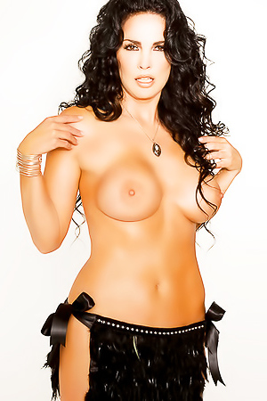 Julie Strain is posing naked for you