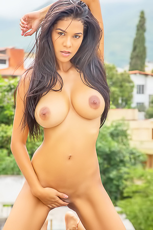 Big titted latin model Kendra Roll