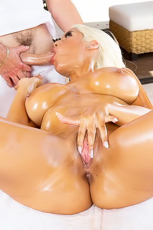 Glamour oiled MILF gets boobs fucked