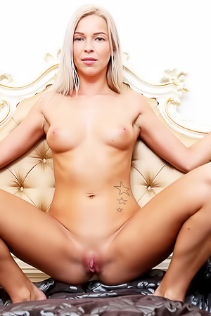 Amazing Karol Lilien and her pink pussy