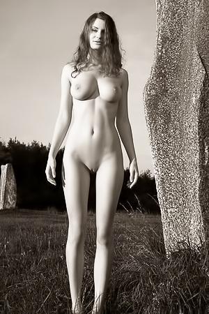 BW photoshoot with naked babe