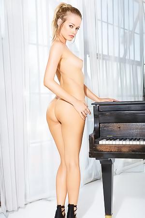 Olivia Preston with amazing body