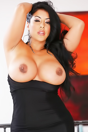 Kiara Mia and her amazing boobs