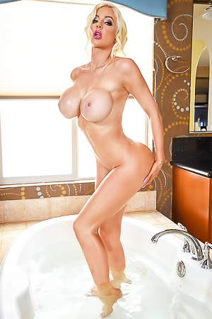 Goddess Bombshell taking bath