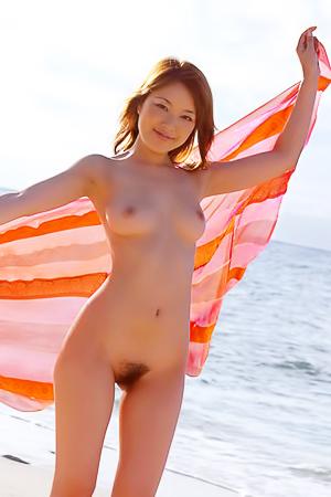 Yua Aida flashing exotic hairy pussy