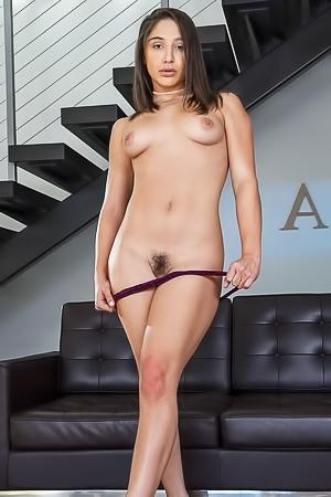 Abella Danger is taking off her dress