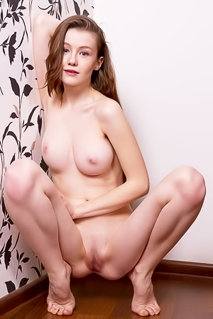 Beautiful babe Emily Bloom