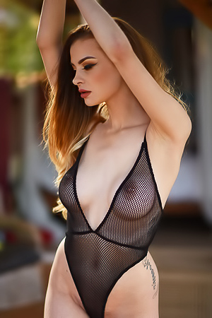 Glamour striptease from Emelia Paige