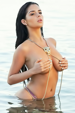 Gorgeous curvy Demi Rose
