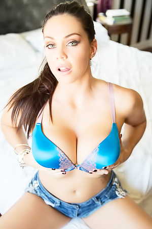 Alison Tyler - giant boobs shoots