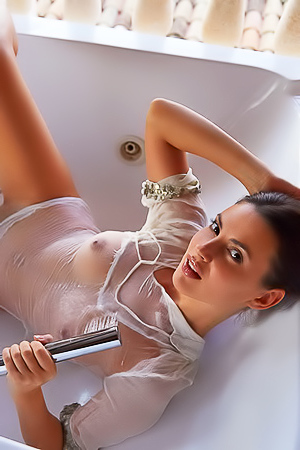 Horny Jasmine Jazz taking bath
