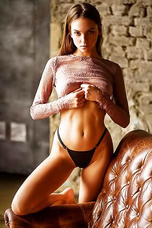 Sexy brunette Maria Demina