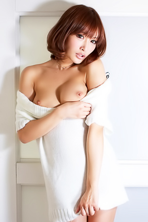 Gorgeous Japanese babe