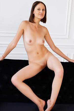 Neuve - hot skinny brunette