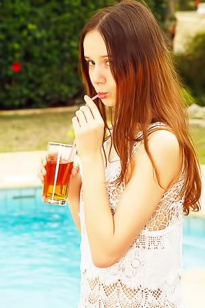 Hot Ukrainian honey Elby Shine