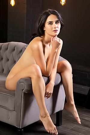 Luce Mona Erotic Pics Set