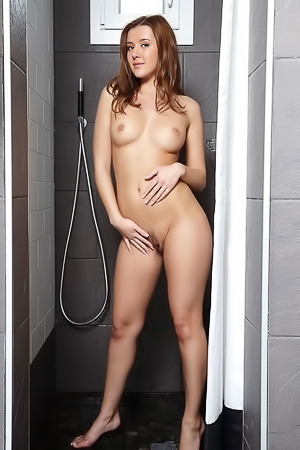 Kailena Takes A Hot Shower