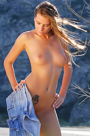 Smooth Sexkitten Nadia Enjoying Empty Beach