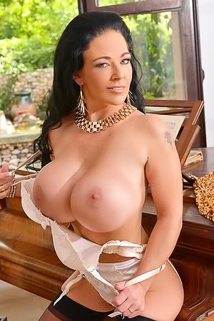 Delzangel Fake Tits