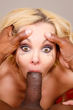 Aaliyah Love Loves To Get Fucked In Throat