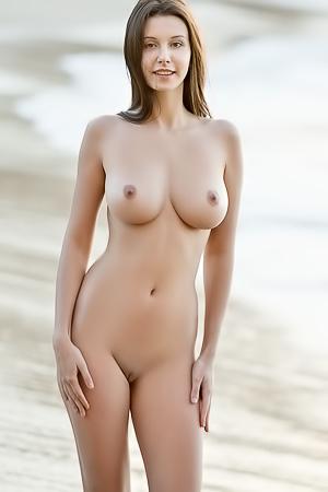 Exotic Hottie Alisa I
