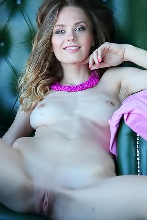 Sexy Nude Chick Irene