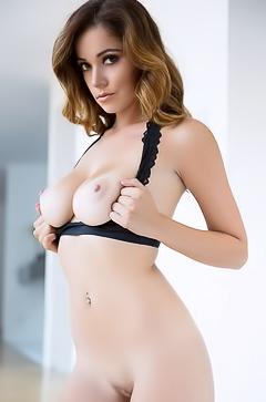 Ali Rose Looks Damn Sexy